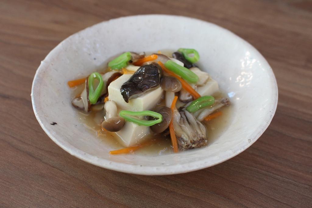煮込みきのこ豆腐